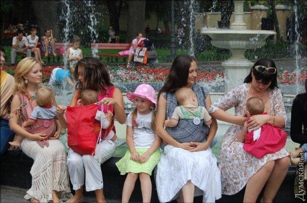 Флэшмоб кормящих мам в Одессе