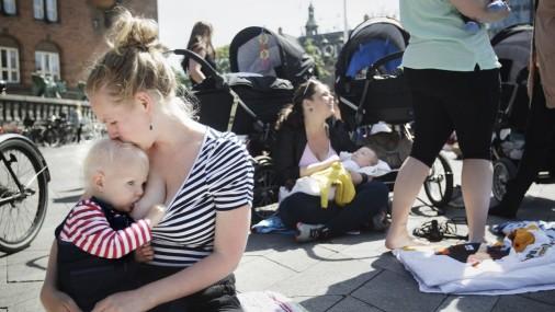 Кормящие мамы в Дании